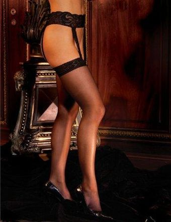 Billede af Elegant Moments Stockings & Garterbelt