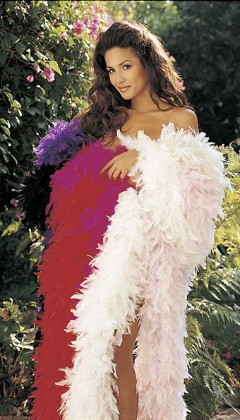 Image of   Shirley CHANDELLE FEATHER BOA